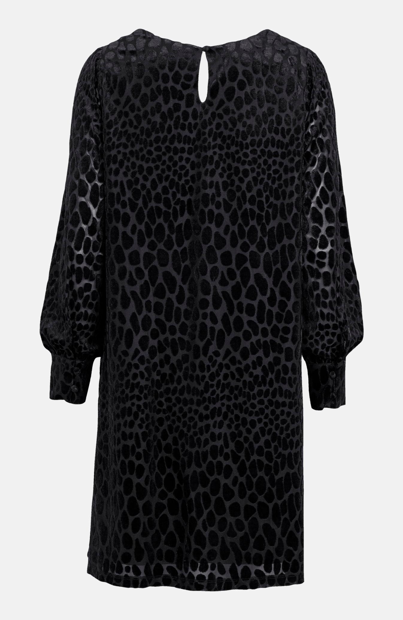 Sukienka z wzorem z fakturą
