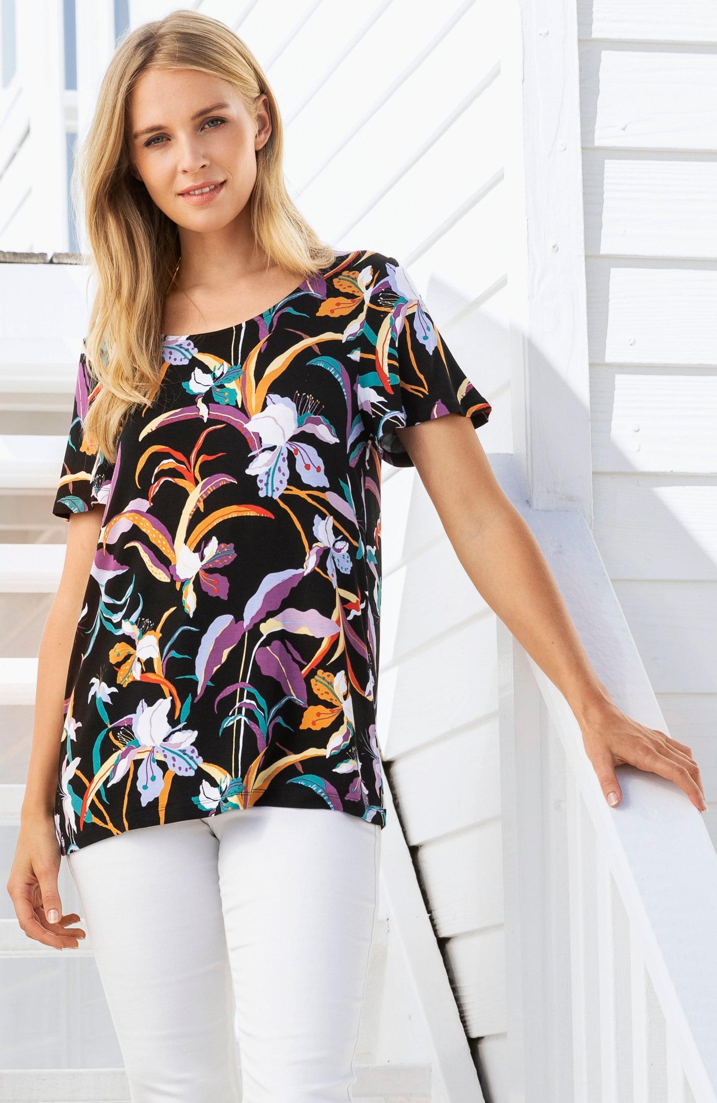 Wzorzysta bluzka dżersejowa zrękawami motylkowymi