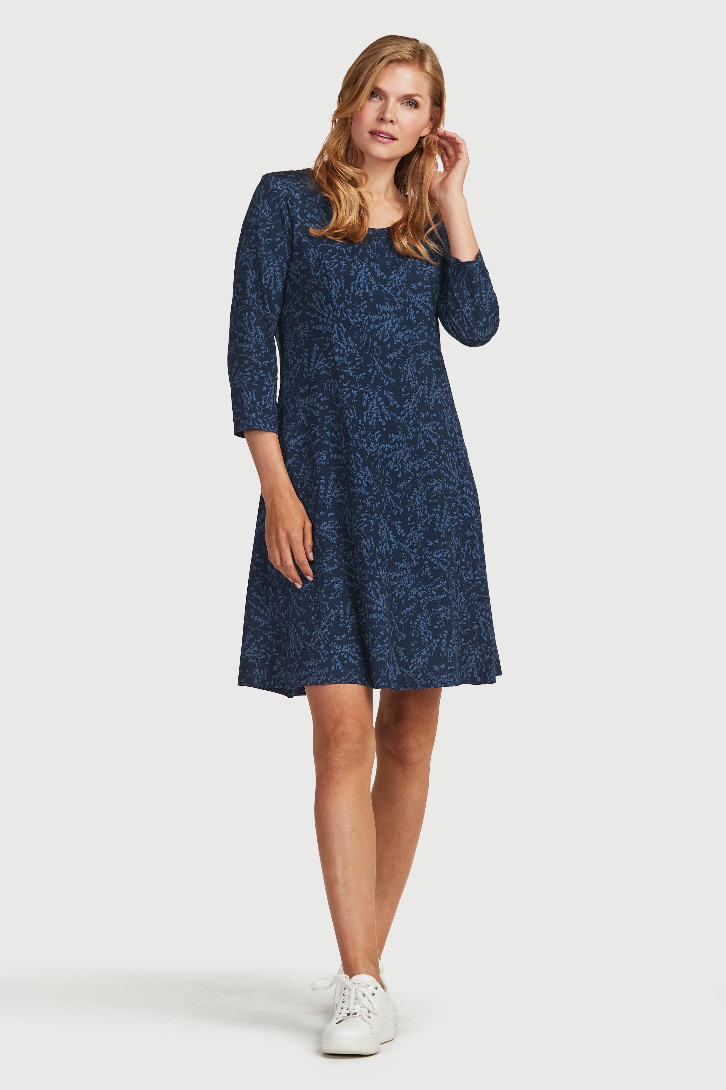 Wzorzysta dżersejowa sukienka z bocznymi kieszeniami