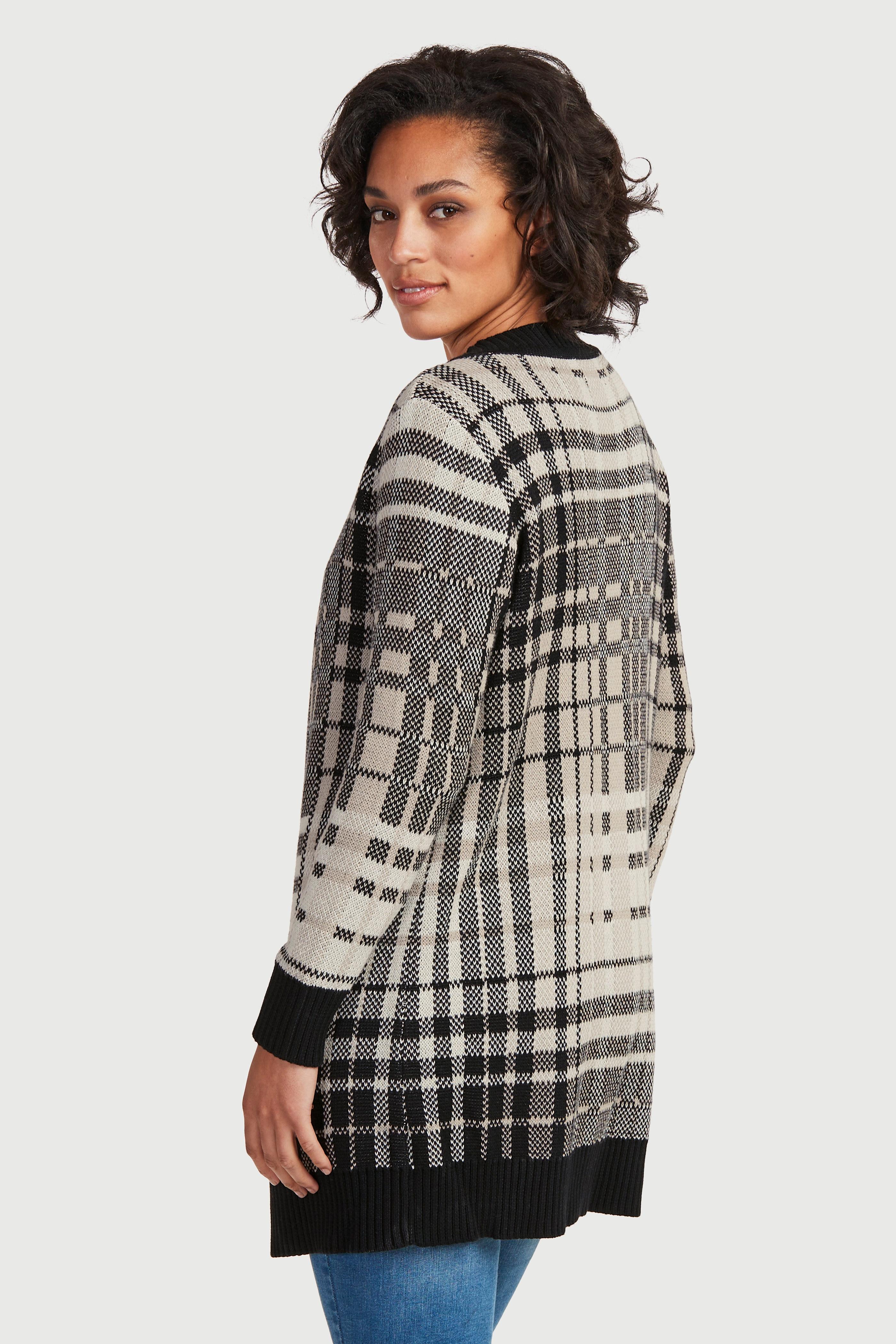 Rozpinany sweter z dzianinowym wzorem w kratkę