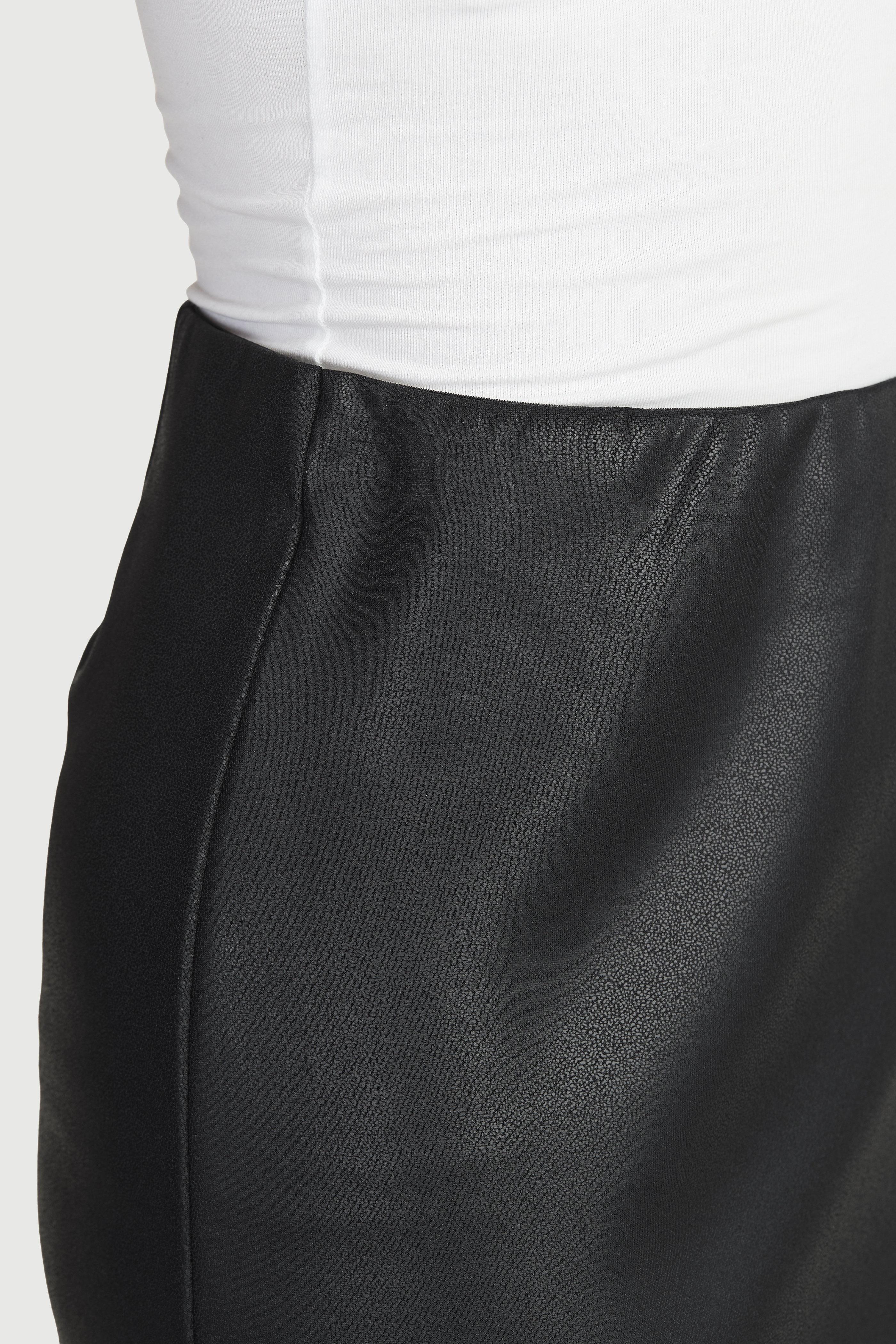 Krótka spódnica z PU ze stretchem