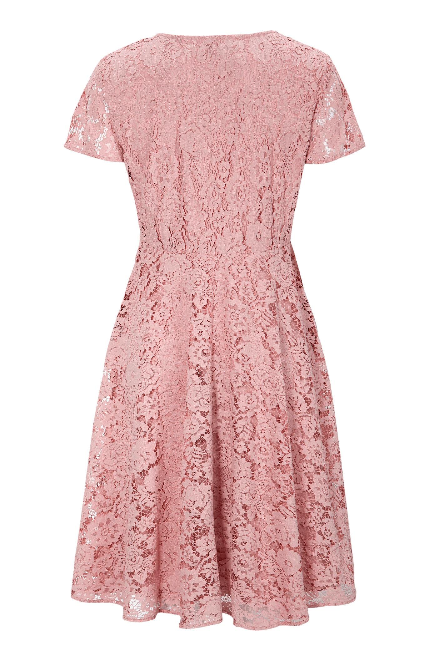 Różowa sukienka koronkowa