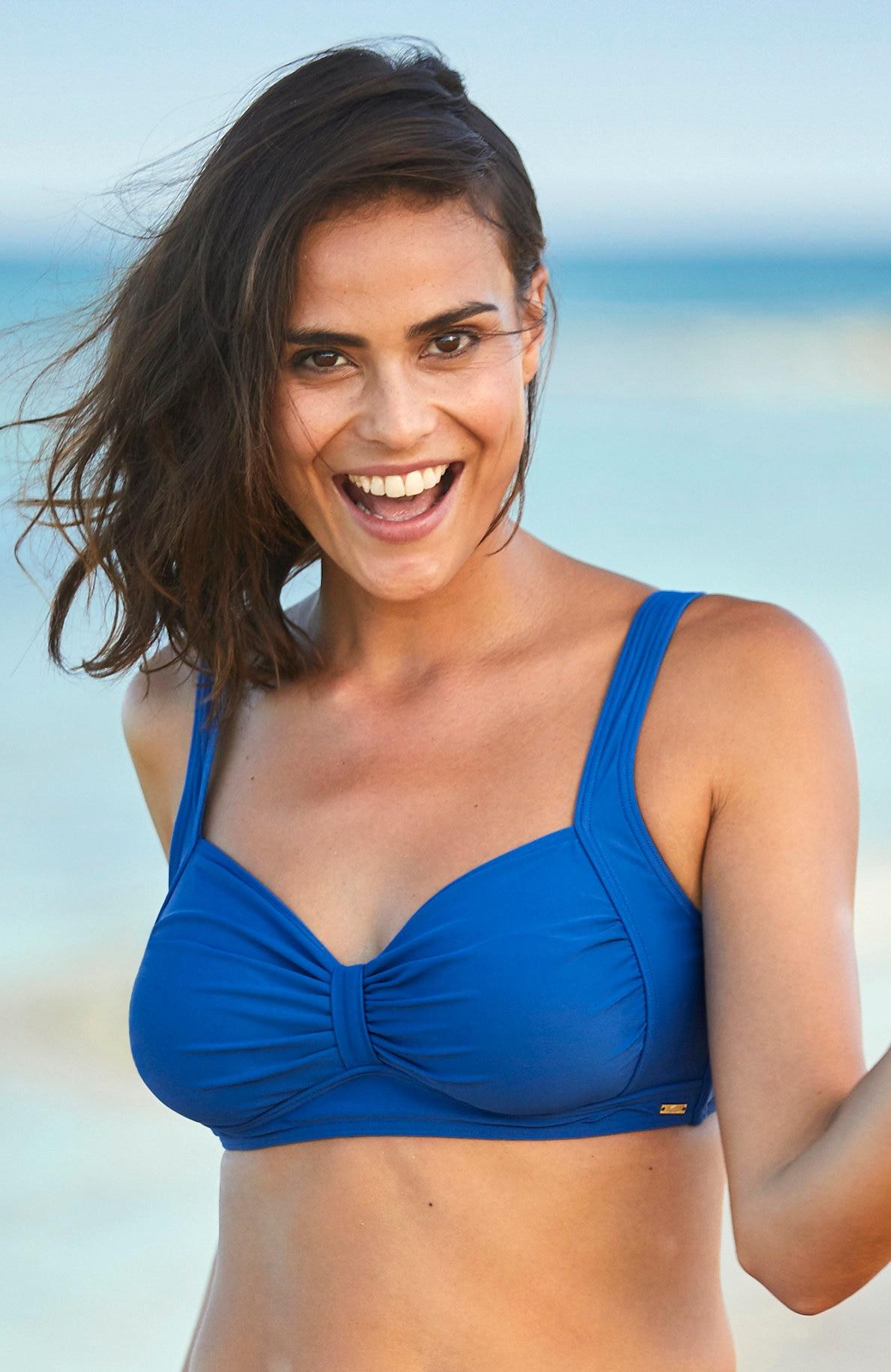 Niebieski biustonosz od bikini bez fiszbin