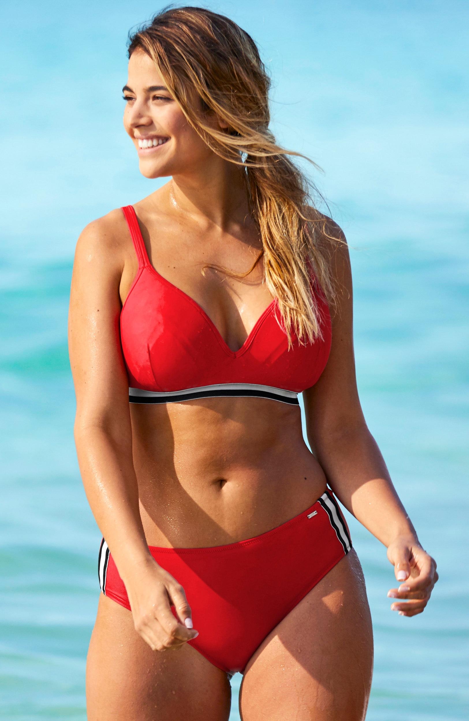 Majtki od bikini ze stanem standardowej wysokości